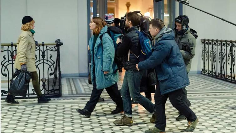 Hymyilevän miehen ohjaaja Juho Kuosmanen kuvaa uutta elokuvaa Venäjällä