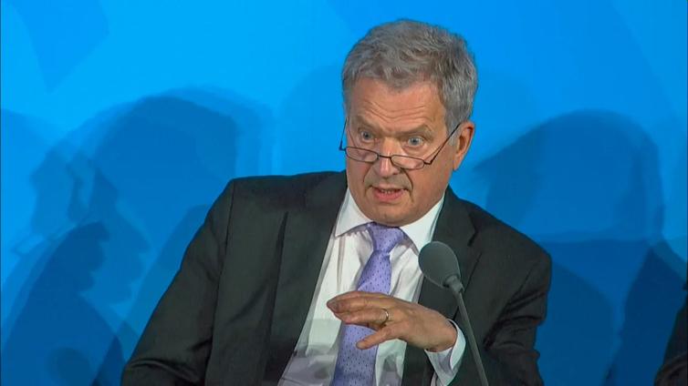 """Presidentti Niinistö kehotti suomalaisia ottamaan toisistaan etäisyyttä fyysisesti, mutta lähentymään """"henkisesti"""""""
