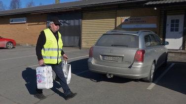 Pelastusryhmät auttavat pikkukylien asukkaita poikkeusoloissa