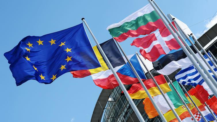 EU-komissio esittää 750 miljardin rahastoa koronan aiheuttamaan talouskriisiin