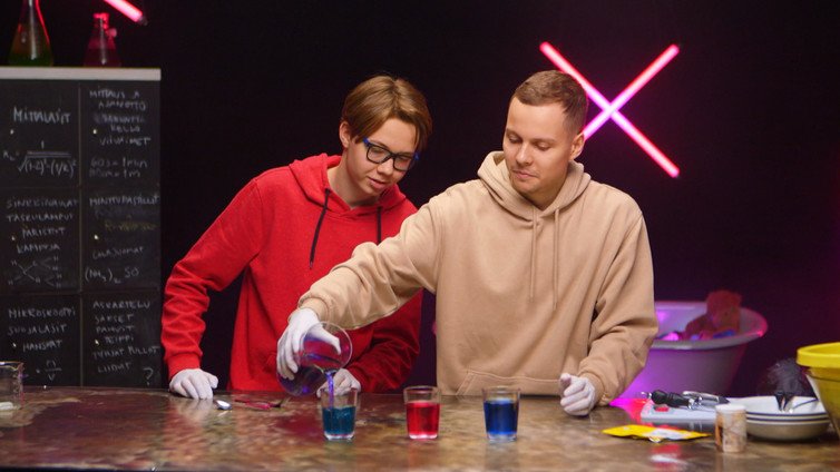 Tiede X Mauton: värikkäät treffit