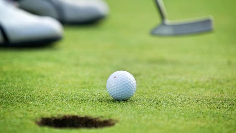 Nuoret aikuiset ja juniorit ovat innostuneet golfista