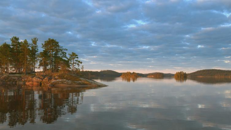 Tarinoita järviltä: Syksy järvessä