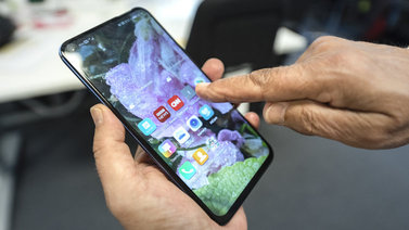 Uuden puhelimen ostaminen nettikirpparilta voi olla huono päätös