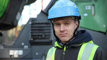 17-vuotias Kalle Kauppi opiskelee metsäkoneenkuljettajaksi oppisopimuksella