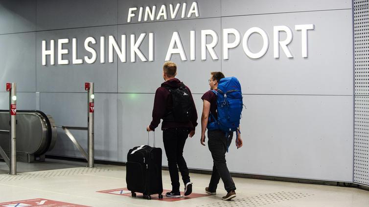 Suomi valmistautuu jatkamaan Euroopan tiukimpia matkustusrajoituksia