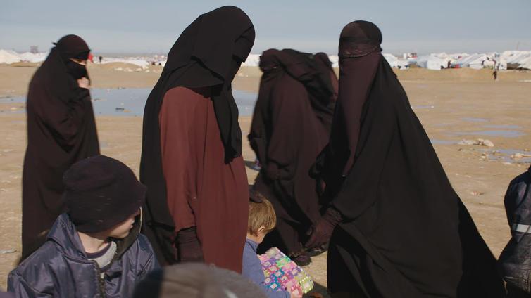 Suomen viranomaiset hakivat kaksi al-Holin leirin naista ja kuusi lasta