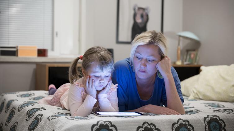 Korona on lisännyt lasten ja nuorten älylaitteiden käyttöä
