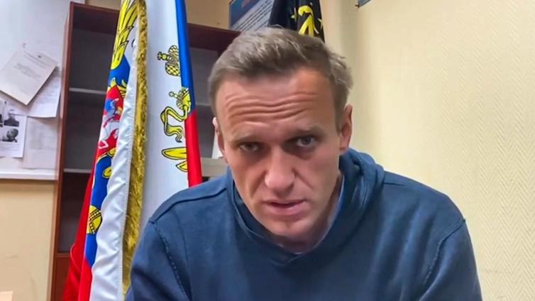 Aleksei Navalnyi tuomittiin vankilaan yli kahdeksi vuodeksi