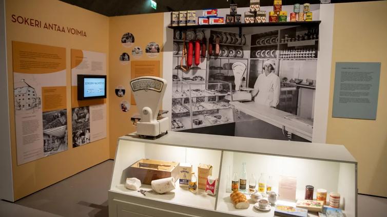 100 vuotta sitten valmisruokapurkissa oli poron kieltä ja häränhäntäkeittoa