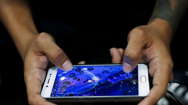 Lauta- ja mobiilipelien suosio kasvanut korona-aikana