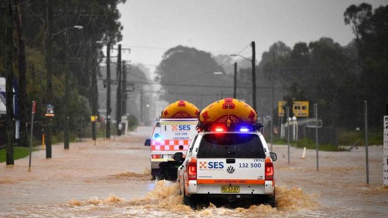 Australiassa pahimmat tulvat vuosikymmeniin