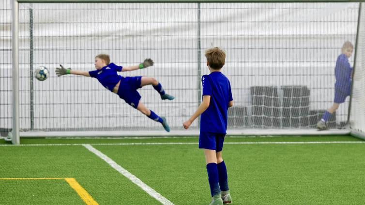 Uusi suositus 7–17-vuotiaille: Vähintään tunti monipuolista liikkumista joka päivä
