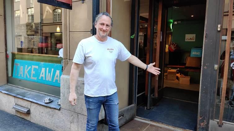 Ravintolat avasivat ovensa rajoitetusti