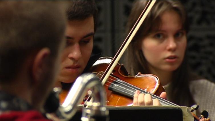 Hypnoottinen toistomusiikki pistää klassisen muusikon koville