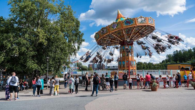 Huvipuistoissa odotetaan jopa kaikkien aikojen parasta kesää