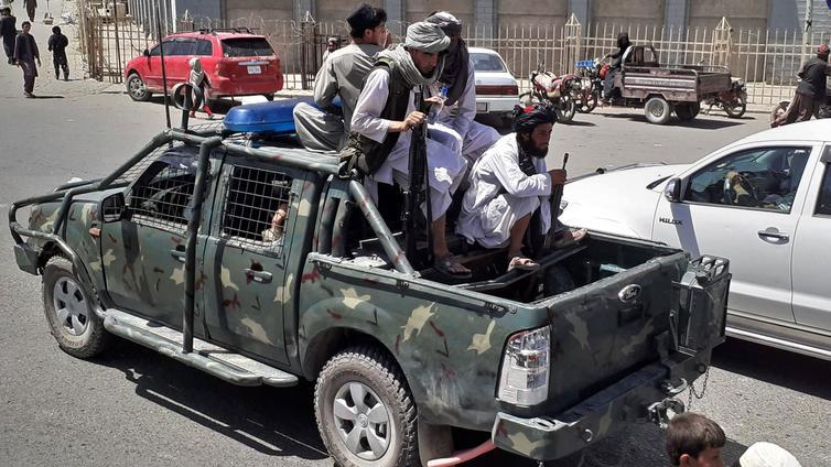 Ääriliike Taliban otti vallan Afganistanissa