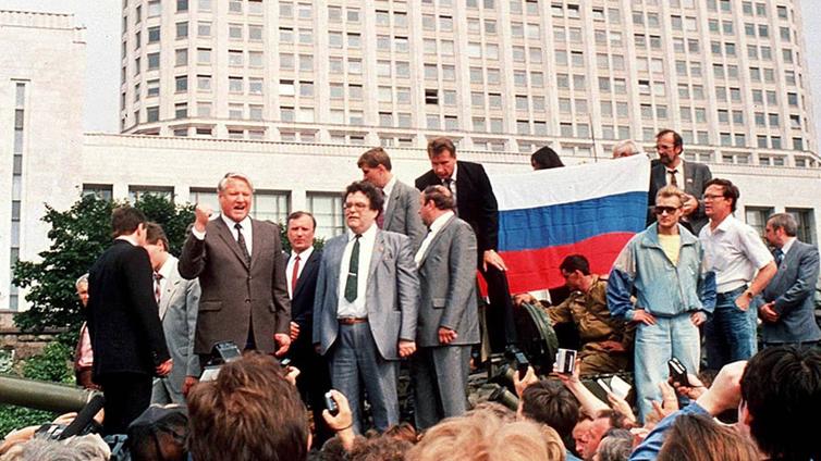Hullu vuosi 1991: Neuvostoliitto hajoaa
