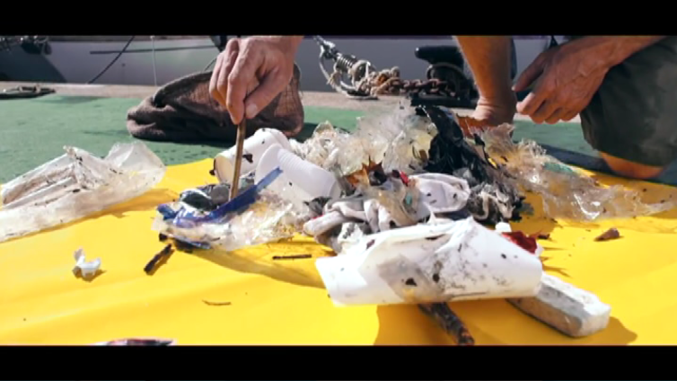 Merissä on pian enemmän roskaa kuin kaloja