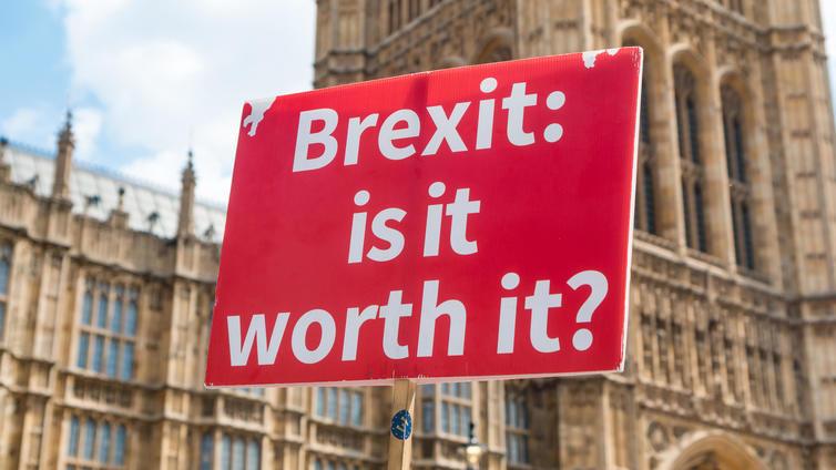 Korona ja brexit syöksivät Britannian työvoimapulaan