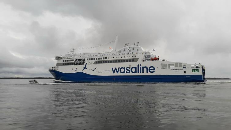 Merenkurkussa seilaa uusi vähäpäästöisempi matkustajalautta