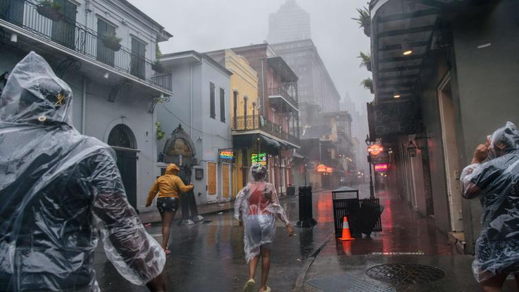 Ida-myrsky pimensi New Orleansin