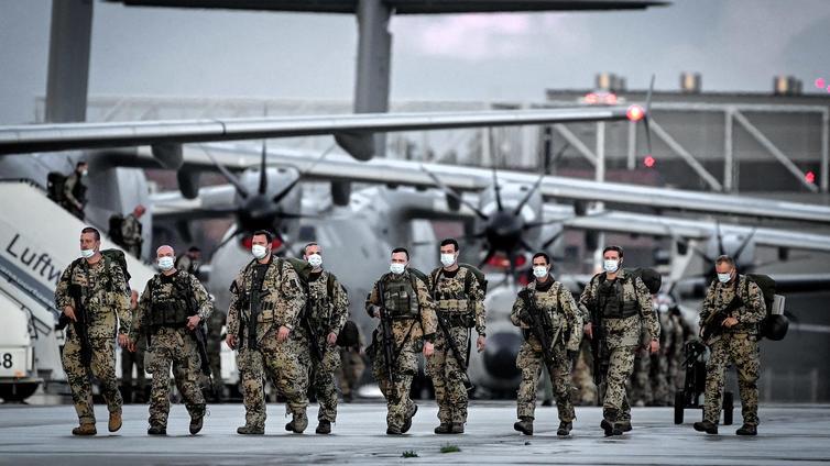 Länsimaat poistuivat Afganistanista 20 vuoden jälkeen
