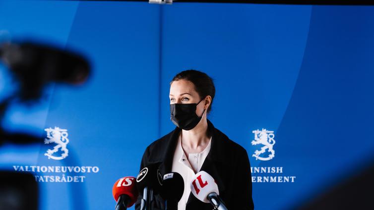 Pääministeri Marin: Rajoituksista saatetaan päästä laajemmin eroon lokakuussa