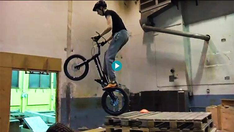 Trial-pyöräily on yksi Tampereen SM-viikon lajeista