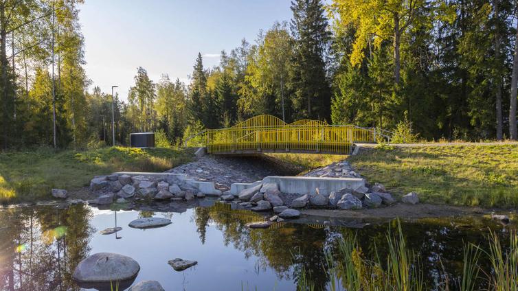 Kaupunkisuunnittelussa varaudutaan rankkasateisiin rakentamalla tulvapuistoja