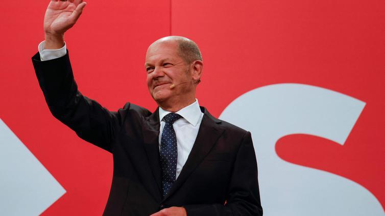 Valta vaihtuu Saksassa - sosiaalidemokraatit ottivat vaalivoiton