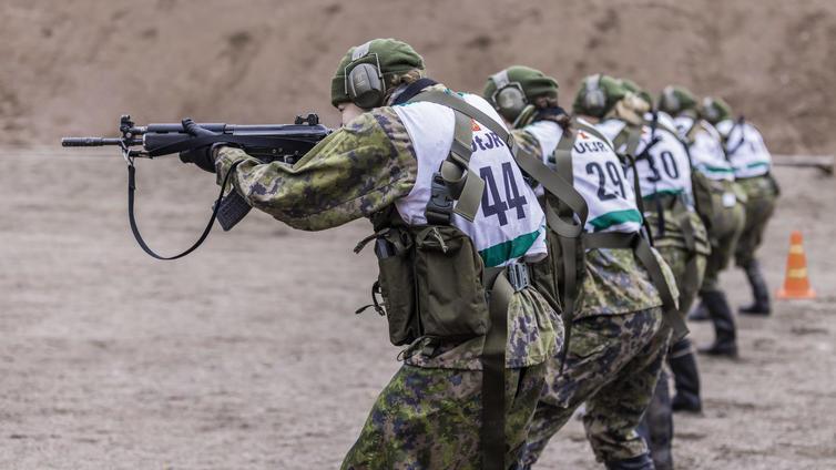 Puolustusvoimat madaltaa varusmiespalveluksen fyysisiä kelpoisuusvaatimuksia