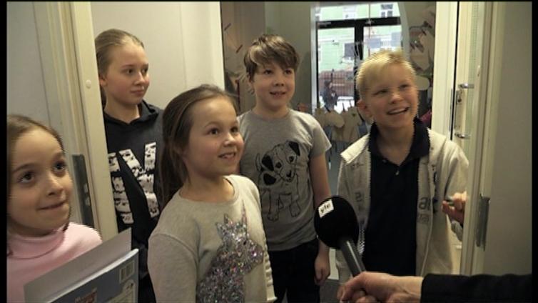 Maailmalla sijaitsevat suomalaiset koulut stressaavat rahasta