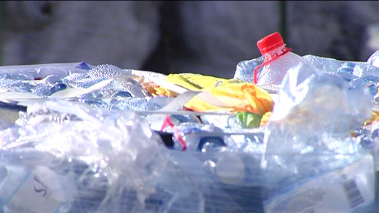 Muovin kierrätys takkuaa vielä