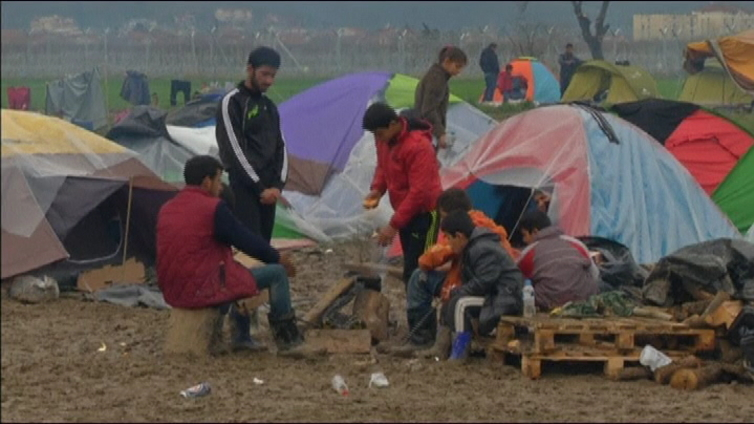 YK haluaa jäsenmaidensa ottavan vastaan satojatuhansia pakolaisia