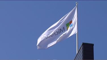 Microsoft hylkää puhelinbisneksen ja irtisanoo urakalla