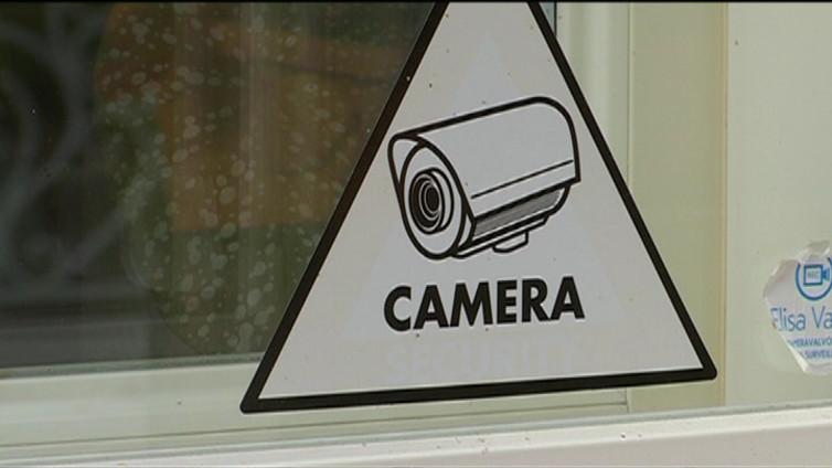 Kotien langattomat valvontajärjestelmät on helppo mykistää