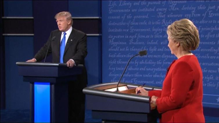 Clinton rökitti Trumpin ensimmäisessä vaaliväittelyssä