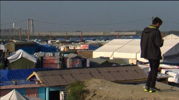 Ranska purkaa Calais'n pakolaisleirin